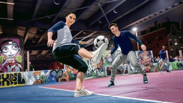 Cả nam lẫn nữ đều xuất hiện trong bóng đá đường phố